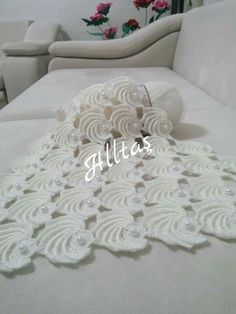 "Diy Crafts - Perfect How we can find this tutorial? ""This post was discovered by Gül"", ""perfect how we can find"" Crochet Flower Patterns, Crochet Patterns For Beginners, Crochet Designs, Crochet Flowers, Knitting Patterns, Filet Crochet, Crochet Shawl, Crochet Stitches, Crochet Baby"