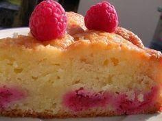 Recette de Gâteau fondant aux amandes et framboises : la recette facile