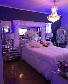Cute Bedroom Ideas, Cute Room Decor, Room Ideas Bedroom, Girl Bedroom Designs, Teen Room Decor, Bedroom Decor, Bedroom Inspo, Rich Girl Bedroom, Bedroom Signs