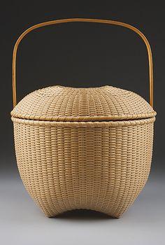 Find a Class at the Folk School! Bamboo Basket, Wicker Baskets, Nantucket Baskets, Nantucket Island, Chief Seattle, Bamboo Art, Pine Needle Baskets, Storage Baskets, Design Crafts