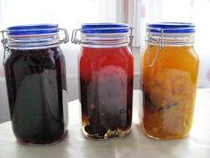 Likőrök gyümölcsből - Női misztériumok Kitchen Aprons, Limoncello, Mason Jars, Paleo, Good Food, Food And Drink, Cocktails, Cooking Recipes, Homemade