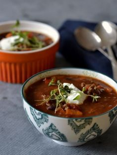 Soup Sunday: Mexican soup with beef & kidney beans (Taste on the food) - Suppe Jamie Oliver Recipes Christmas, Mexican Food Recipes, Soup Recipes, Food Plus, Cook N, Yummy Eats, Food Inspiration, Tortellini, Food To Make