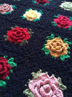 [Free Pattern] Beautiful Rose Granny Square Blanket