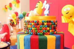 Bolo | Cake | Bolo para Festa Infantil | Bolo de M&M | Festa Infantil | Bolo divertido | M&M | M&M Cake | Inesquecível Festa Infantil