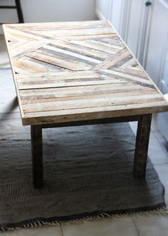 palet wood table