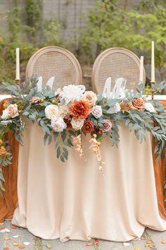 Fall Wedding Bouquets, Floral Wedding, Autumn Wedding Flowers, Autumn Wedding Ideas, Boho Flowers, Fall Wedding Colors, Bridal Flowers, Head Table Decor, Deco Table