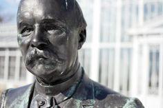 Stone faces - Julius af Lindfors, Helsinki