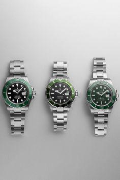 Are you still looking for the perfect Christmas present? Look no further, you only have to choose between these three siblings. Either the Submariner Ref. 16610LV, Ref. 116610LV or Ref. 126610LV will make one of your loved ones more than happy. Submariner Watch, Rolex Models, Luxury Watch Brands, Watch Sale, Siblings, Rolex Watches, Happy, Christmas, Natal