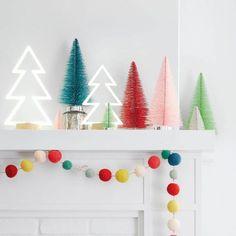 Украшаем дом новогодними гирляндами: 10 оригинальных идей