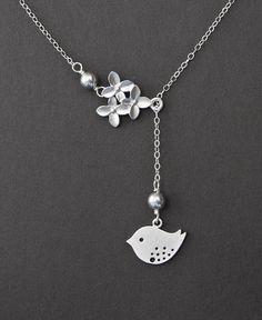 Precious! I want I want I want....I really want a bird necklace BAD!!!