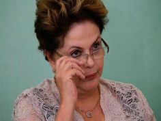 Com o escândalo da Petrobras e a piora na expectativa em relação à economia, a popularidade da presidente Dilma Rousseff (PT) despencou e atingiu a pior marca de seu governo; caiu de 44% (avaliação de governo bom/ótimo) em dezembro para 23% em fevereiro, segundo o Datafolha. Em contrapartida, os entrevistados que avaliam o governo como…