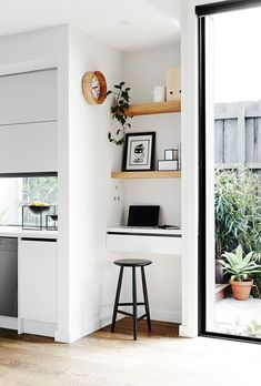 Kitchen Interior Design Home Office Décor Ideas - Do you find it hard to focus when working from home? These home-office decorating ideas will make you feel inspired and productive. Home Office Design, Home Office Decor, Home Interior Design, House Design, Home Decor, Office Ideas, Office Furniture, Furniture Layout, Office Chic