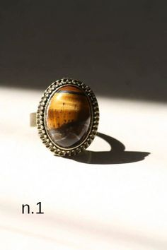 Anello vintage retrò regolabile con pietra di DIYGIOIELLIePIETRE, €8.00  Vintage ring with cabochon gemstone tiger eye