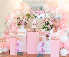 Pink party balloon decor from  Boutique Balloons Melbourne (@boutiqueballoonsmelbourne)