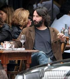 Keanu Reeves beard nyc drinking wine signing autographs taking pictures with fans Keanu Reeves Beard, Keanu Reeves Life, Keanu Reeves Quotes, Keanu Reeves John Wick, Keanu Charles Reeves, Keanu Reaves, Ideal Man, Matrix, Attractive People