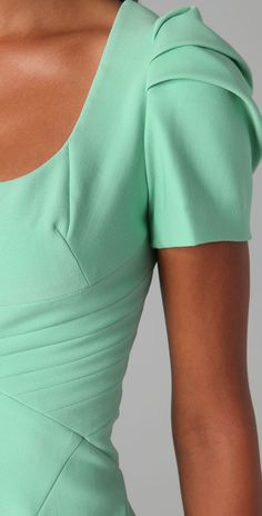 Russian site about stylish clothing alterations. Like these sleeves