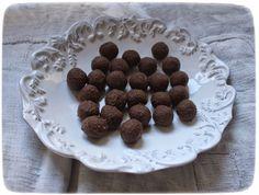 leckere Erdmandel-Pralinen Meas Vintage, Chocolate Filling, Dog Food Recipes, Raspberry, Sweets, Cookies, Fruit, Desserts, Candy