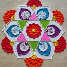 Easy Rangoli Designs Videos, Rangoli Designs Simple Diwali, Rangoli Designs Latest, Rangoli Designs Flower, Free Hand Rangoli Design, Rangoli Border Designs, Rangoli Patterns, Colorful Rangoli Designs, Rangoli Ideas