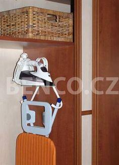 Držák žehlícího prkna a žehličky