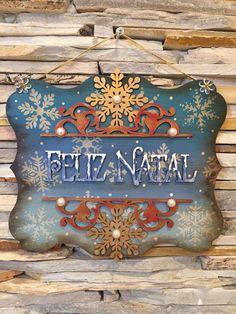 Vera Lucia Godinho Christmas Decoupage, Christmas Wood, All Things Christmas, Winter Christmas, Christmas Crafts, Christmas Decorations, Christmas Ornaments, Holiday Decor, Wooden Crafts