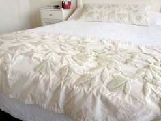white on white embroidery Mexican Embroidery, Hungarian Embroidery, Crewel Embroidery, White Embroidery, Embroidery Designs, Bohemian Bedding, Bed Runner, Quilt Bedding, Bed Throws