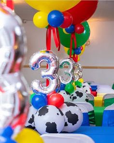 ideas de centros de mesa Toy Story con Globos - Toys for years old happy toys Woody Birthday, Toy Story Birthday, Third Birthday, 3rd Birthday Parties, Birthday Balloons, Birthday Party Decorations, Birthday Ideas, Toy Story Theme, Toy Story Party