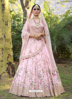 The Uniqueness of the Collection of Indian Wedding Saris Pink Bridal Lehenga, Wedding Lehnga, Designer Bridal Lehenga, Indian Bridal Lehenga, Pink Lehenga, Bollywood Wedding, Lengha Choli Designer, Baby Pink Saree, Bridal Anarkali Suits