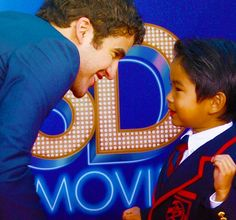 Omg... that video is amazing... i bet he is just freaking out...   #darrencriss