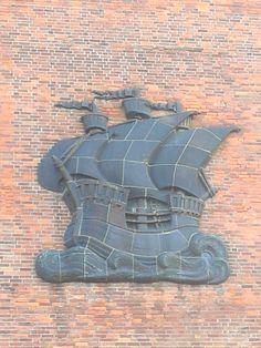 Stralsund - Wappen am Hafenspeicher - Baltic Sea, Germany Travel, Hanukkah, Wreaths, Home Decor, City, Decoration Home, Door Wreaths, Room Decor