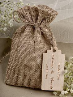 Natural Rustic Burlap Wedding Favor Bag Wedding por DecorisWedding, $3.20