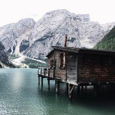 hemingwayandhepburn:  Heaven on Earth ☁️❤️ (at Lago di Braies)