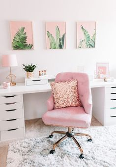 A home office might not get a lot of non-work related use but just because you have to work in there doesn't' mean it can't have great style! Here are some home office decorating ideas that will give your room… Continue Reading → Work Desk Decor, Chic Office Decor, Study Room Decor, Office Inspo, Feminine Office Decor, Shabby Chic Office, Professional Office Decor, Modern Chic Decor, Cute Desk Decor