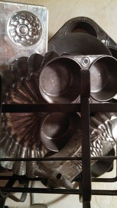 Vintage baking tins i love old tins awesome to decorate any cupboard with new and old