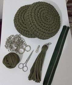 This Pin was discovered by foz Crochet Handbag Tutorial http: Crochet hand made Crochet Backpack, Crochet Clutch, Crochet Handbags, Crochet Purses, Free Crochet Bag, Mode Crochet, Knit Crochet, Crochet Bags, Crochet Gifts