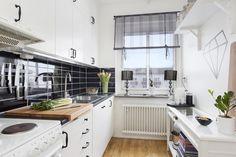foorni.pl | 42 m2 w Göteborgu, skandynawska kuchnia Kitchen Dining, Kitchen Cabinets, Sweet Home, Home Decor, Decoration Home, House Beautiful, Room Decor, Cabinets, Home Interior Design