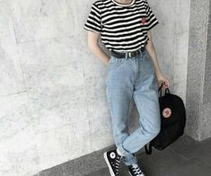 Como atualizar o look com mom jeans - Guita Moda Look 80s, Look Retro, 80s Fashion, Grunge Fashion, Fashion Outfits, Fashion Women, Fashion Ideas, Hipster Fashion, Fashion Black