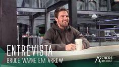 Stephen Amell fala sobre a referência de Bruce Wayne em Arrow [Legendado]
