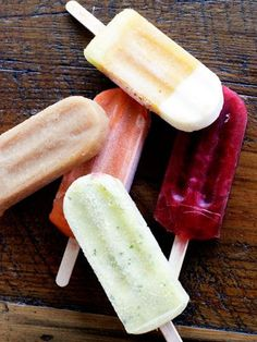 Have some extra fun in the sunshine Fruit Lollies, Ice Lolly Recipes, Ice Cream Desserts, Ice Pops, Homemade Ice, Summer Treats, Frozen Treats, Yummy Drinks, Summer Recipes