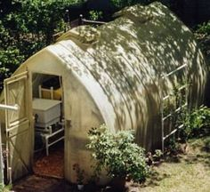 The Simply Solar Greenhouse Is A One Piece Molded 640 x 480