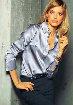 silk gray blouse. Me encantan las blusas de seda..