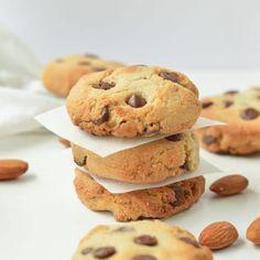 ALMOND FLOUR CHOCOLATE CHIPS COOKIES vegan, healthy, easy #almondflourcookies #almondflour #vegancookies #vegan #easy #heatlhy #paleo #glutenfree #grainfree Almond Flour Cookies, Butter Chocolate Chip Cookies, Peanut Butter Cookie Recipe, Chocolate Chips, Almond Recipes, Raw Food Recipes, Cookie Recipes, Free Recipes, Dessert Recipes