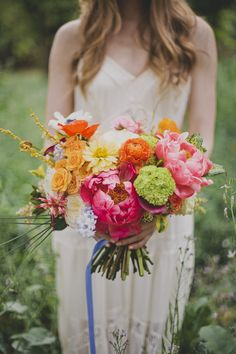 Punchy Summer bouquet // photo by Katie Pritchard, flowers by The Bloom of Time