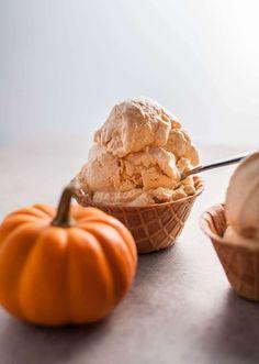 This easy 6 ingredient ice cream maker recipe for cinnamon pumpkin ice cream is perfect for autumn!