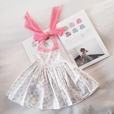 ㅤㅤ ㅤㅤ 로망이 옷  하나하나 다 이뻐서 고민하다가 :( 난 핑크성애자가 아닌데 무의식적으로 계속 핑크만 (베이비핑크였음 좋았을 껄) 처음 사는 로망이 옷, 근데 언제 입힐 수 있을까 ㅋㅋㅋ ㅤㅤ #일상 #데일리 #베이비 #아가옷 #옷 #원피스 #딸 #여자아기 난 이미 #딸스타그램 #일본 #일본여행 #태교여행 #24주 #임산부 #마르마르 #유아앞치마 #MARLMARL #Baby ㅤㅤ