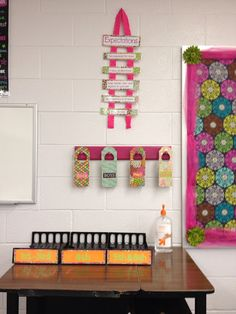Several great classroom organization ideas from this middle school math teacher