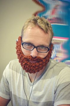 5 hilarious wedding gifts for groomsmen // knitted beard pretty sure jeran's buddies will be getting stuff like this :P Funny Wedding Gifts, Wedding Gifts For Groomsmen, Best Wedding Gifts, Wedding Humor, Groomsman Gifts, Funny Gifts, Wedding Stuff, Homemade Wedding Cards, Knitted Beard