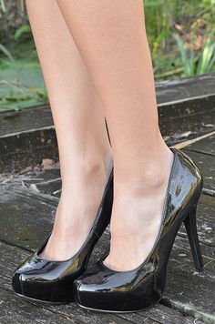 Uncage My Heart Heels: Black Everyone needs a pair of classic black heels. #ShopHopes