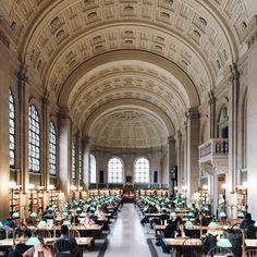 Galeria de A beleza de bibliotecas ao redor do mundo pelas lentes de Olivier Savoie - 34