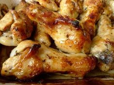 Met deze marinade op basis van kokosmelk maak je heerlijke kip uit de oven. Weer eens wat anders! | http://degezondekok.nl