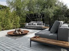 Grid Collection: clean lines and flexible elements for cosy lounge